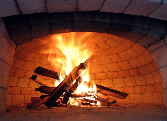 which-wood-to-use-for-pizza-ovens